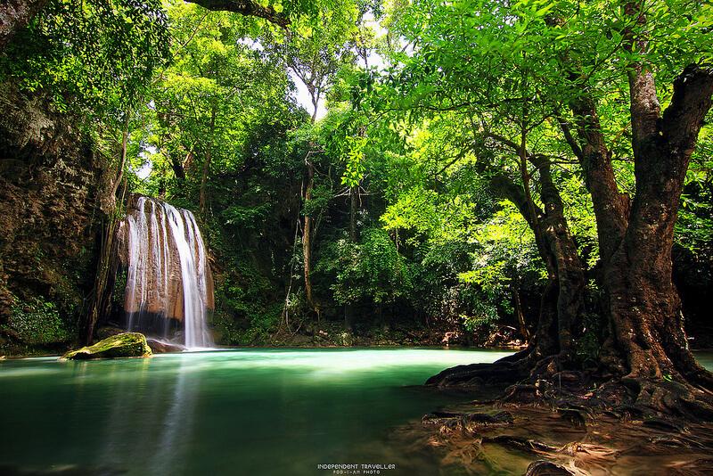 น้ำตกเอราวัณ (Erawan Waterfall)