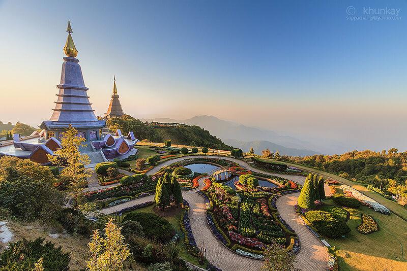 พระมหาธาตุเจดีย์นภพลภูมิสิริ (Phra Maha Dhatu Nabhapol Bhumisiri)